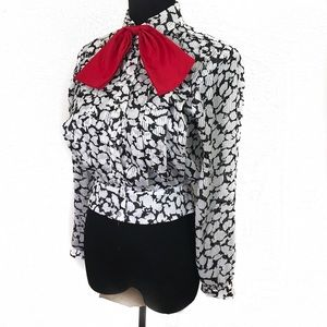 Gorgeous vintage pussy bow top blouse